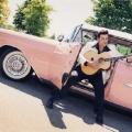 Elvis_look_alike_with_Guitar
