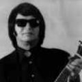 Roy Orbison impersonator